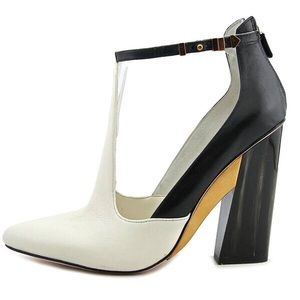 🌟Host Pick🌟BCBG Pointed Toe Leather White